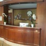 Photo de Hotel Flora