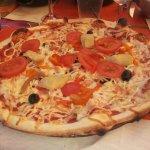 Pizza végétarienne ( tomate, poivron, coeurs d'artichaux )