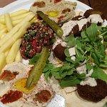 Φωτογραφία: Savvas Roof Garden - Souvlaki & Kebab