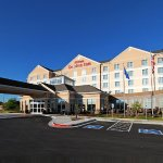 Photo de Hilton Garden Inn Tulsa Midtown