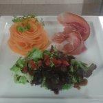 Jambon de pays avec sa rosace de melon