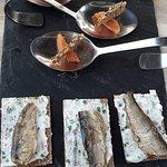 Oeufs de cabillaud et sardines en amuse bouche