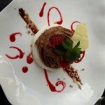 Mousse chocolat sur meringue