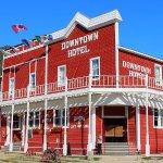 Photo de Canadas Best Value Inn - Downtown Hotel
