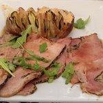 Jambon grillé aux herbes & pomme de terre Hasselback