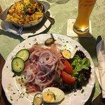 Ochsenmaulsalat mit Bratkartoffeln