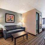 Double Queen Suite - Living Room