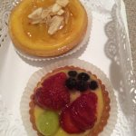 pear and almond tart and fruit tart - lovely!!