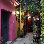 La casa está muy bien ubicada, puedes ir a todos los lugares del centro de Oaxaca a pie.