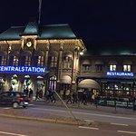 La gare centrale en face de l'hotel