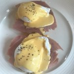 Ham benedictine eggs