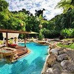 Blue Lagoon Villa private pool adn gardens