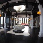 nice decor lobby