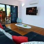 Blue Lagoon Villa leather lounge, smart TV Wifi