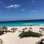 Photo de Playa Delfines