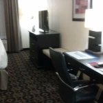 Best Western Plus Airport Inn & Suites Photo