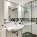 Universally Accessible Room Bathroom