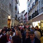 Calle San Lorenzo. A 30m del hotel llena de bares de pinchos