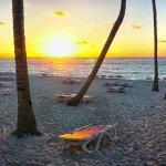 la plage au couche du soleil