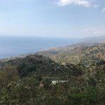 Foto di Ali Superiore e di Ali Terme vista da Ali Superiore