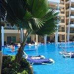 Premium suites/pool