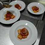 Antipasto misto salumi e formaggi con confettura artigianale; braciola al sugo