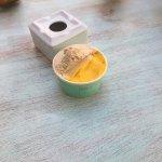 Helado vegano de mango y de avellanas