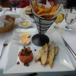 tartare de saumon et frites