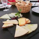 """""""Table de Quesos"""" with 5 different types of cheeses"""