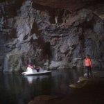 esto ai é um lago no interior da gruta