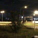 Aperçu des feux Loto-Québec derrière l'arbre, feux d'artifices ont tous explosés derrière celui-