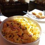Mac and cheese pasta w/ ham and peas