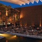 El restaurante de noche