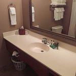 Photo de GrandStay Residential Suites Hotel Eau Claire