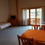 Photo de Hotel Bodmi