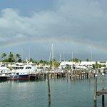 Marina con arcobaleno