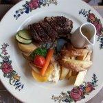 Plat menu bûcheron : Du bœuf Poêlé : Limousin, et assaisonné aux grains de café…
