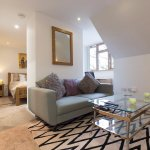Studio Apartment , self catering, breakfast option available