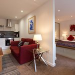 Studio Apartment, self catering, breakfast option available