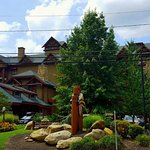 Foto de Bearskin Lodge on the River Hotel
