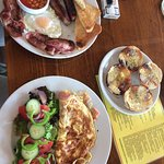 Recommendations: Full breakfast, garlic bread and cheese and ham omelette