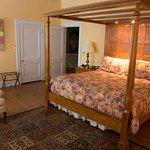 Foto de Morehead Manor Bed and Breakfast