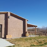 Bodega Entre Tapias (exterior) con una vista maravillosa del Cordón de Ansilta