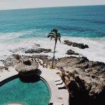 Swim up bar overlooking the ocean