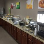 Quality Inn - Cameron, Missouri - Breakfast area