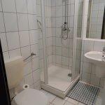 Standard Wombat's bathroom