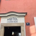 Hotel U Zeleneho hroznu (Hotel At the Green Grape) resmi
