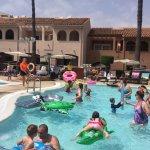 Photo de Los Amigos Beach Club