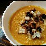 Ahora en Sacha también puedes probar nuestras sopas y cremas todas las noches hasta las 8:00 pm