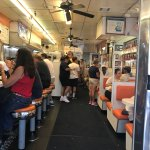 White House Sub Shop resmi